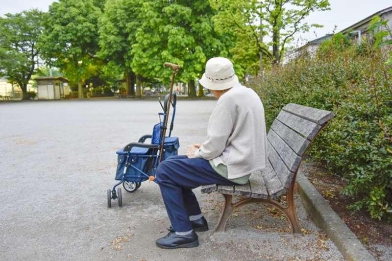 即使曾經流離失所,他們的愛情,持續了60年。(示意圖非本人/photoAC)