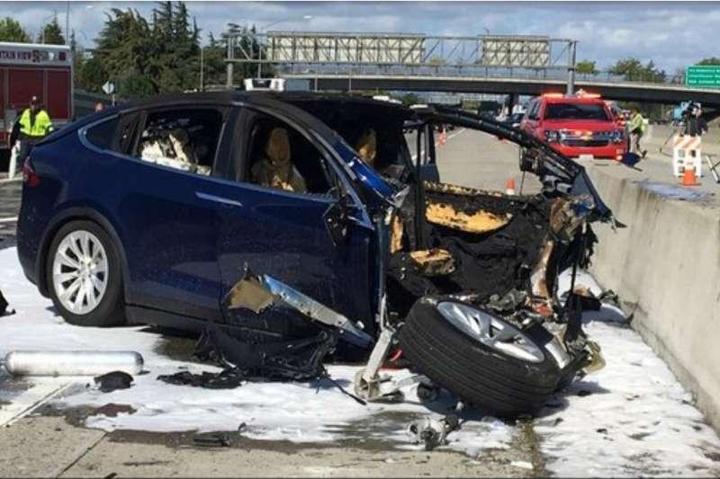 美國加州一位特斯拉(Tesla)電動車車主黃偉(Wei Huang)日前駕車出車禍,傷重不治。(資料照,美聯社)