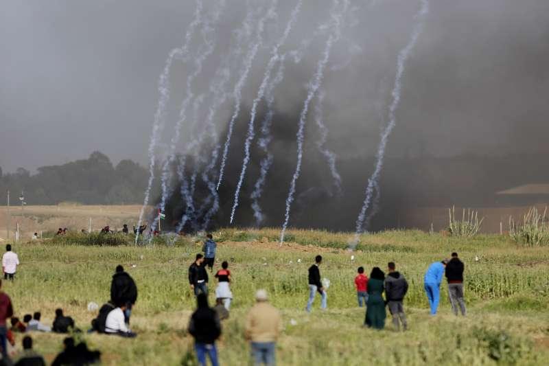 屬於巴勒斯坦的加薩走廊居民發起返鄉大遊行,慘遭以色列血腥鎮壓(AP)