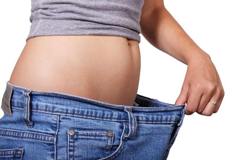 體重莫名快速減輕,可能是淋巴癌的警訊,不宜輕忽。(圖/pixabay)