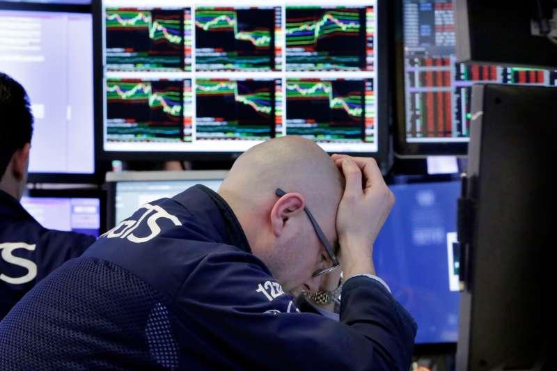 中美貿易戰升溫,美國股市大受影響(AP)
