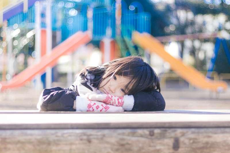 從小就要告訴孩子,不喜歡的碰觸,一次都不行。(示意圖非本人/すしぱく@pakutaso)