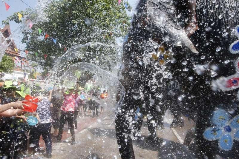 泰國傳統新年「宋干節」(又稱「潑水節」)將在13日至15日熱鬧登場(美聯社)