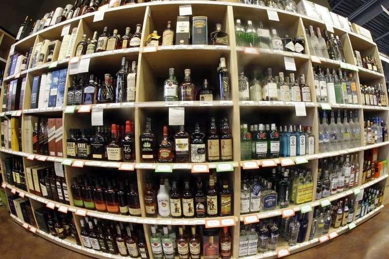 最新醫學研究指出,每週攝取超過100公克的酒精,恐增加早死的機率。(AP)