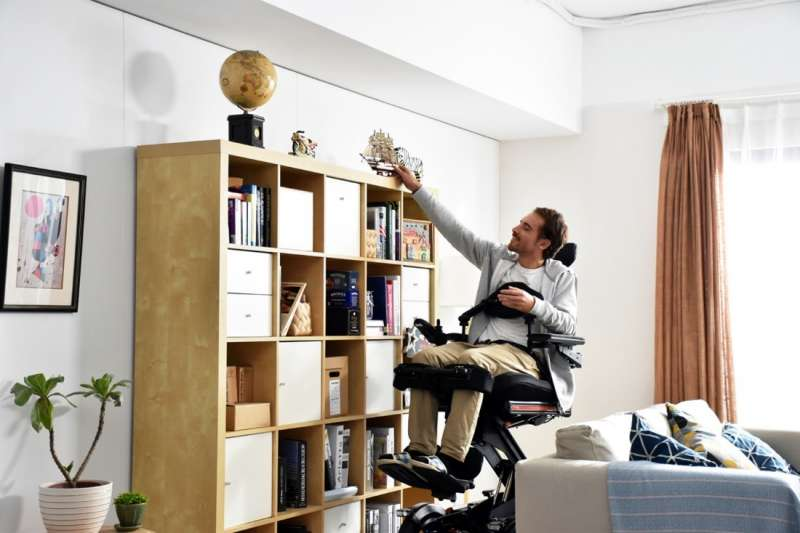 康揚新產品EvO Altus電動輪椅獲得德國紅點設計獎(圖/康揚輔具提供)