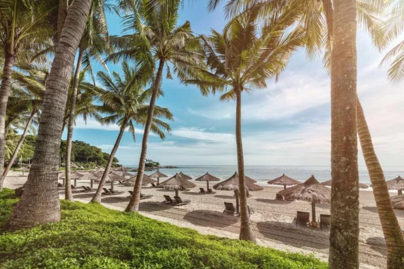 趁著夏天來一場海島之旅吧!徜徉在美麗純白的沙灘上、享受溫暖的陽光,說不定還能經歷一場美麗的邂逅呢。(圖/Club Med,女子學提供)