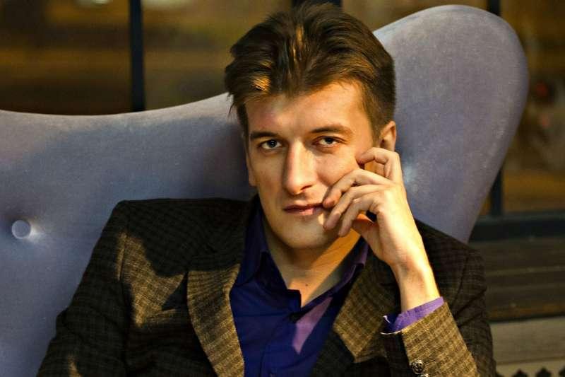 32歲的俄國調查記者波洛丁(Maxim Borodin)從自家陽台墜樓身亡。保護記者委員會懷疑死因不單純,呼籲俄羅斯應調查他殺可能性。(Facebook)