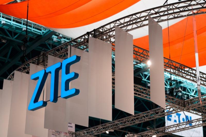 身為世界前10大、中國前5大的手機商中興ZTE,已被美國、英國等官方列為「危害國家安全」的廠商,向西方市場前進之路受到很大阻礙。(圖/取自Shutterstock,數位時代提供)