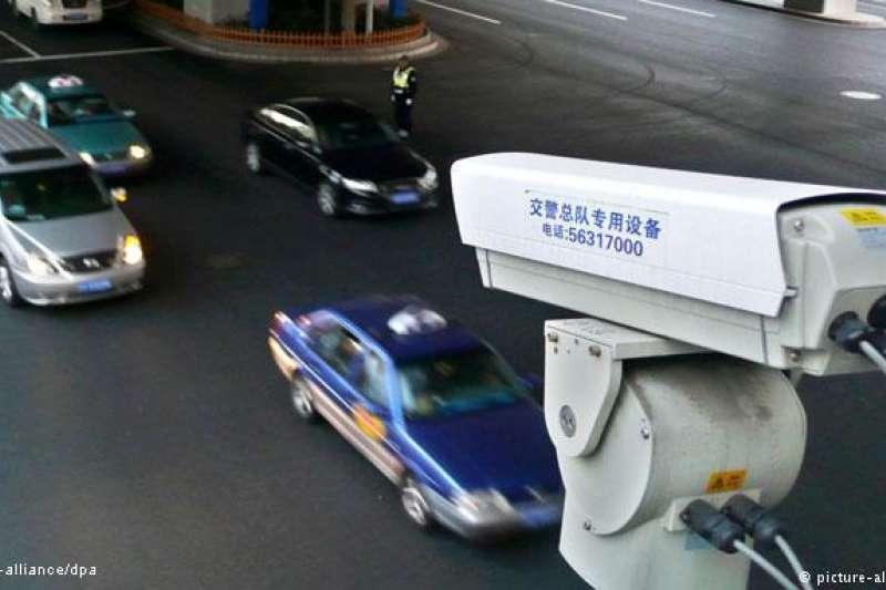 全中國大約已經安裝了1.76億枚監控網路攝影機,到2020年,這個數字還將上升到6億。(德國之聲)
