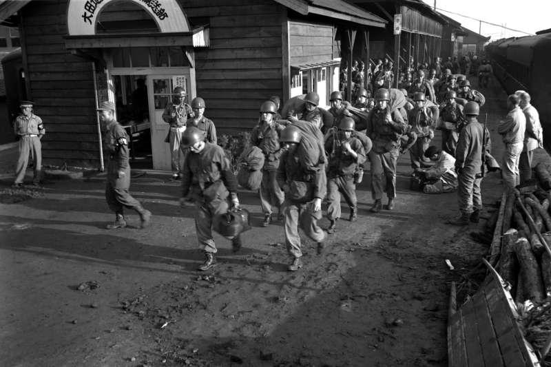 韓戰結束後,有許多中國志願軍戰俘被以「自願」名義遣送至中華民國臺灣,但他們是真的自願投降,還是「蓄意投降」?(維基百科/公有領域)