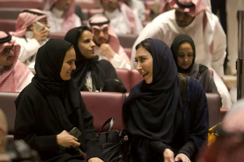 沙烏地阿拉伯解除35年電影院禁令,第一家電影院2018年4月18日在首都利雅德開幕(AP)