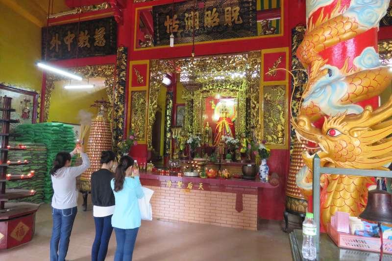 胡志明市溫陵會館的媽祖神像。(圖/作者│想想論壇提供)