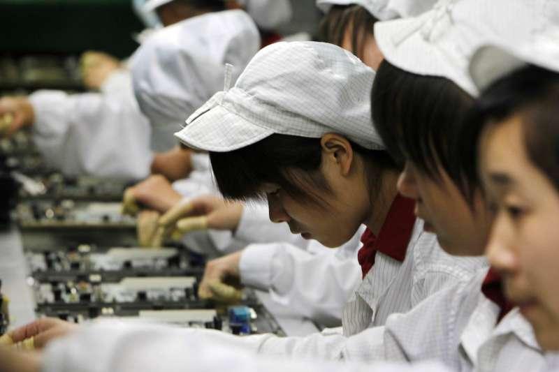 中國工廠的女工。(美聯社)