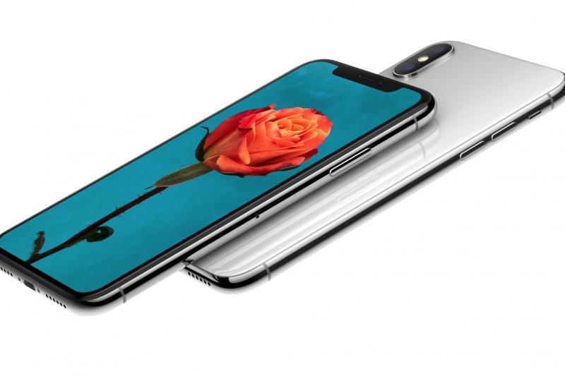蘋果公司今天宣布,將於9月12日在加州古柏迪諾(Cupertino)總部賈伯斯大會堂(Steve Jobs Theater)舉行一年一度秋季發表會,外界普遍預期蘋果將發表多款新iPhone。圖為iPhone X。(蘋果官網)