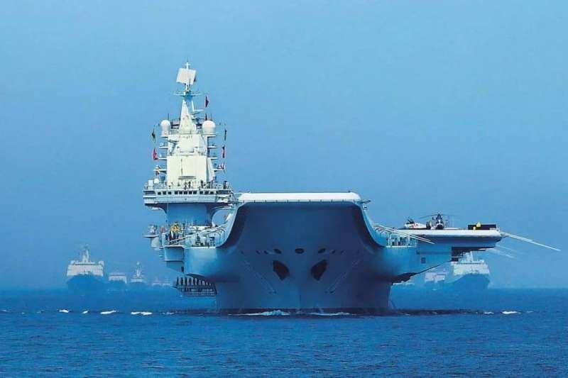 以遼寧艦為首的中國海軍10日通過宮古海峽前往太平洋海域。(資料照)