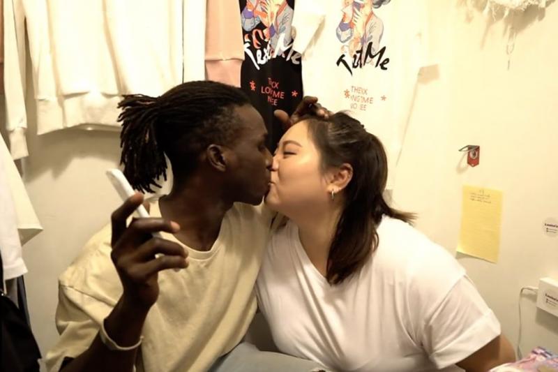 跨越分歧:港女戀上非洲難民。(BBC中文網)