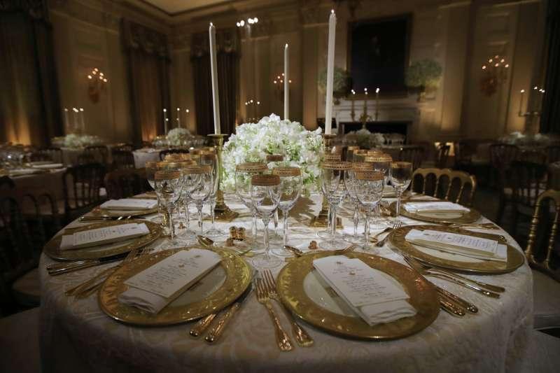 2018年4月23日,法國總統馬克宏造訪美國,進行國是訪問,24日將受美國總統川普款待,在白宮舉行國宴。(AP)