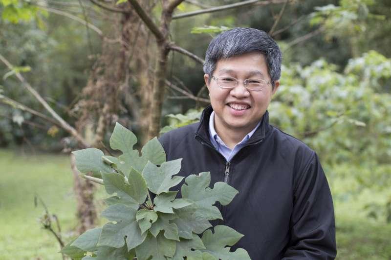 對於從構樹葉綠體基因描繪出南島語族史前航線、佐證「出臺灣說」的研究過程,鍾國芳認為是「努力與幸運的結合」。(圖/張語辰,研之有物提供)