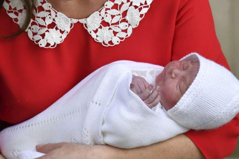 2018年4月23日,英國威廉王子與凱特王妃喜迎新生命,白金漢宮最小的王子誕生(AP)