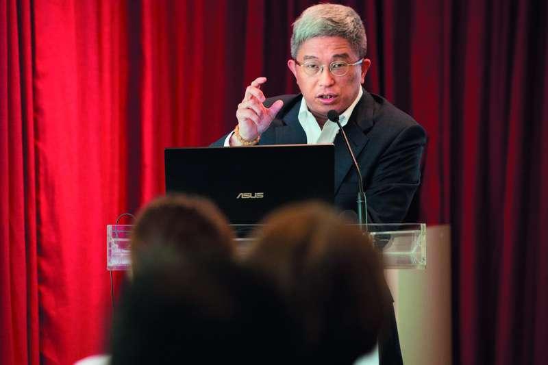 徐斯儉在華府公布的民調數字引發激烈的討論。(台灣民主基金會提供)