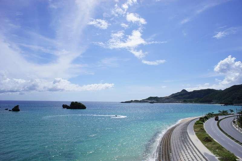 帶小孩遊沖繩,什麼樣的旅館最適合親子檔入住呢?(示意圖/overseaskorea@pixabay)