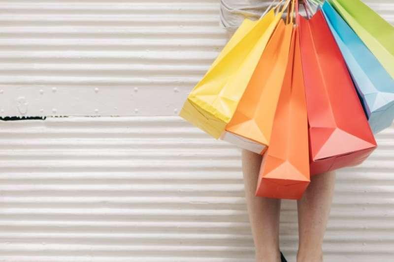 「彰銀支付 幸福女人節」客戶在購物同時也可做公益。(圖/freepik)
