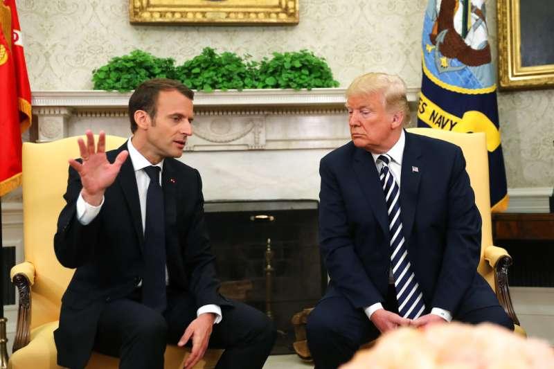 2018年4月24日,法國總統馬克宏訪問華府,與美國總統川普在白宮會談。(AP)