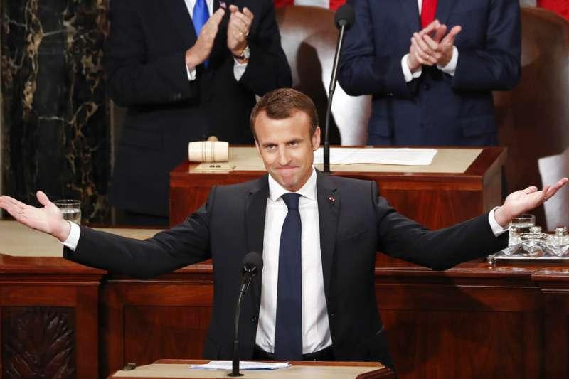 2018年4月25日,法國總統馬克宏在美國國會發表演說,呼籲美國重回多邊主義。(AP)