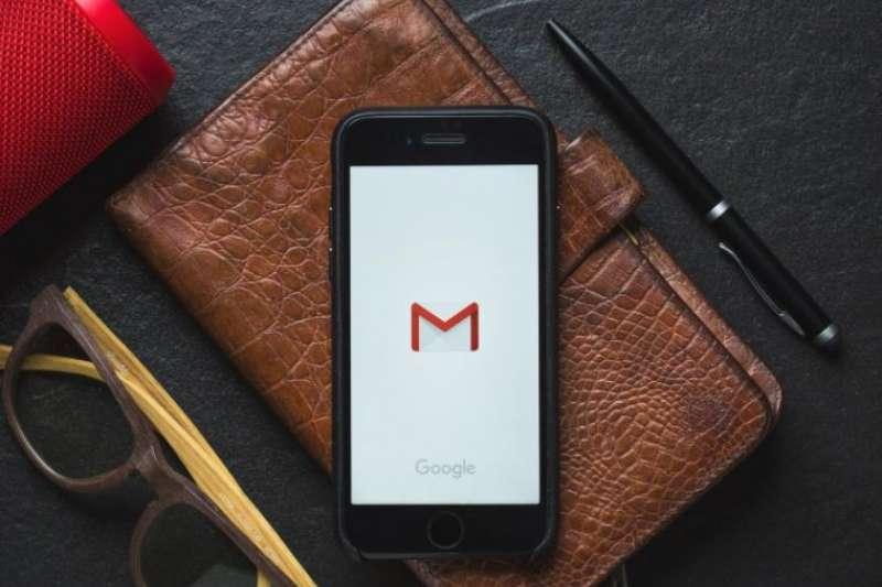 Google電子郵件推出更新版本,除了使用介面更新之外,也帶來幾項新功能,讓用戶更直覺地管理每天進出的電子郵件。(圖/取自shutterstock,數位時代提供)