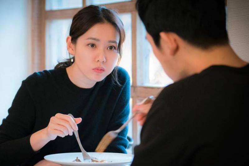 當愛情成癮者遇到一個穩定、安全的伴侶時,那種穩定和安全感反而讓他們想逃開。(示意圖非本人/JTBC Drama@facebook)