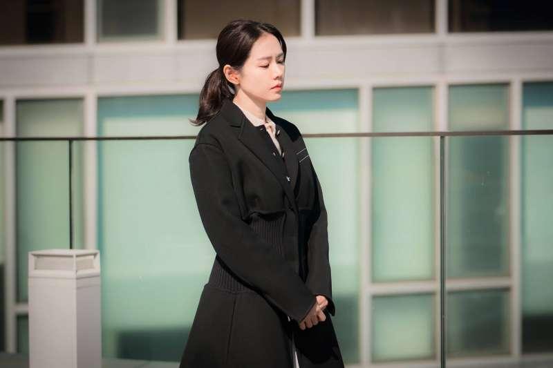 如果你最嚮往的工作,開得薪資比現職還低1萬,你願意委屈求全嗎?(圖/JTBC Drama@facebook)