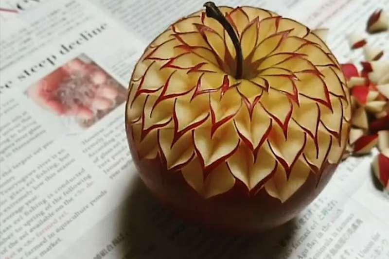 超級療癒!日本神人這樣「玩食物」,蘋果在他手上都能變燈籠!
