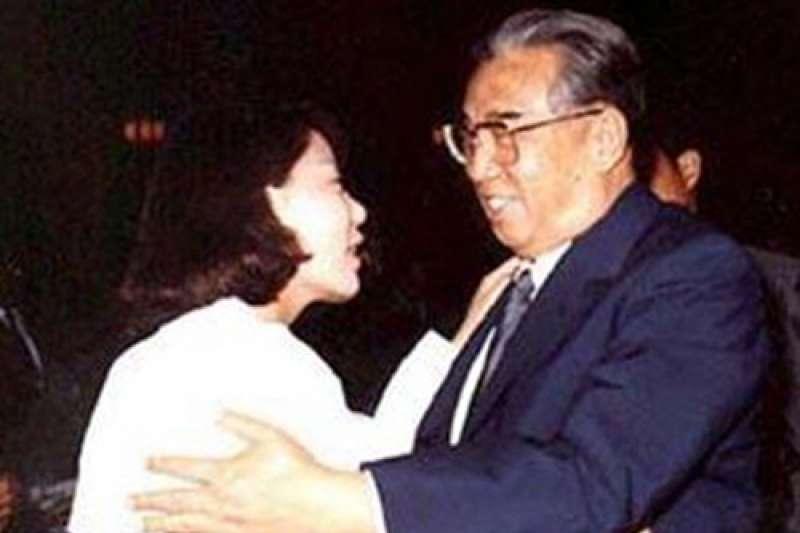 1989年6月,提倡兩韓統一的南韓外國語大學校學生林秀卿偷偷訪問北韓,見到金日成(老宿者@Wikipedia / CC BY-SA 3.0)