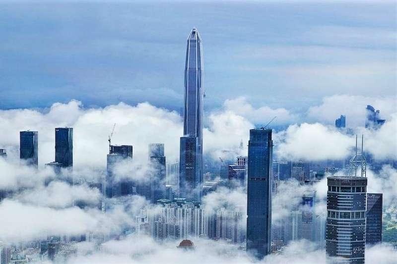 猛蓋摩天樓會引來「高樓詛咒」?中國止不住的摩天大樓狂熱,會不會也引來危機呢?(圖/取自築訊中國,愛范兒提供)