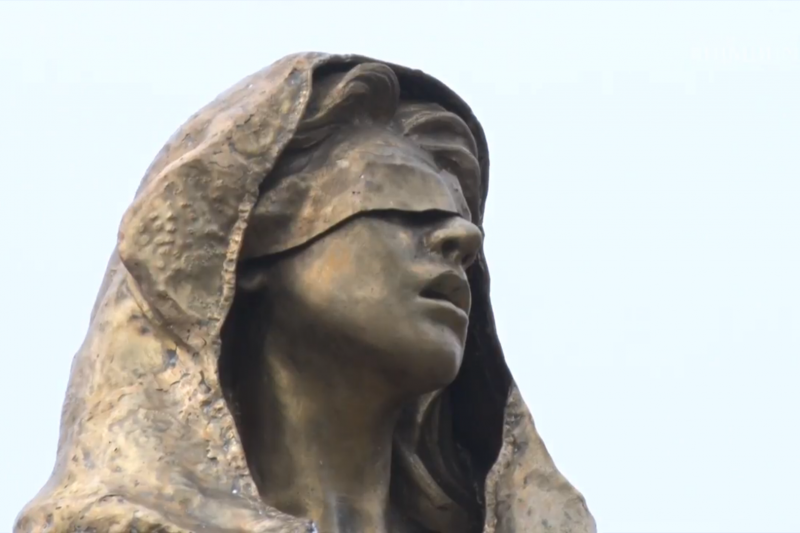 菲律賓首都馬尼拉「羅哈斯大道」(Roxas Boulevard)的慰安婦雕像(YouTube)