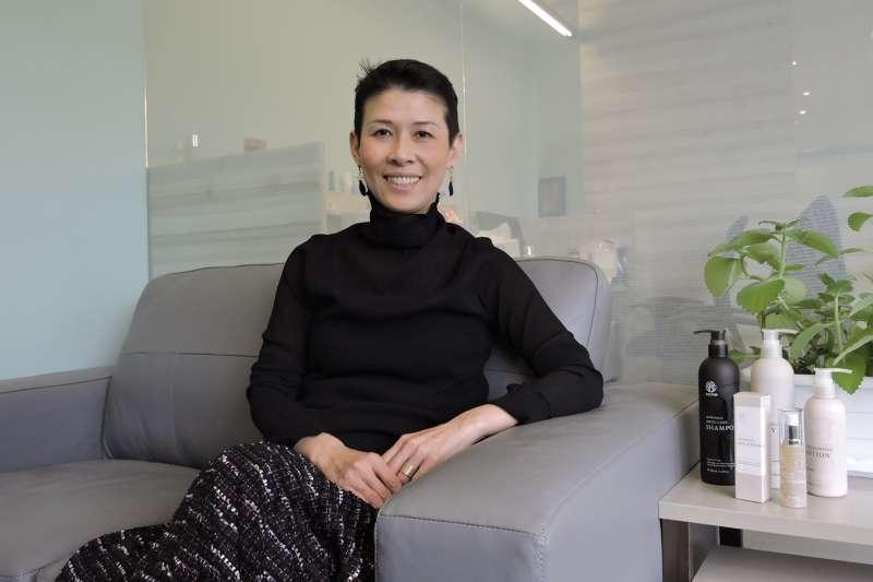 有室內設計背景的奇蹟莊園總經理 Lydia 將美學置入消費品牌經營(圖/奇蹟莊園 提供)