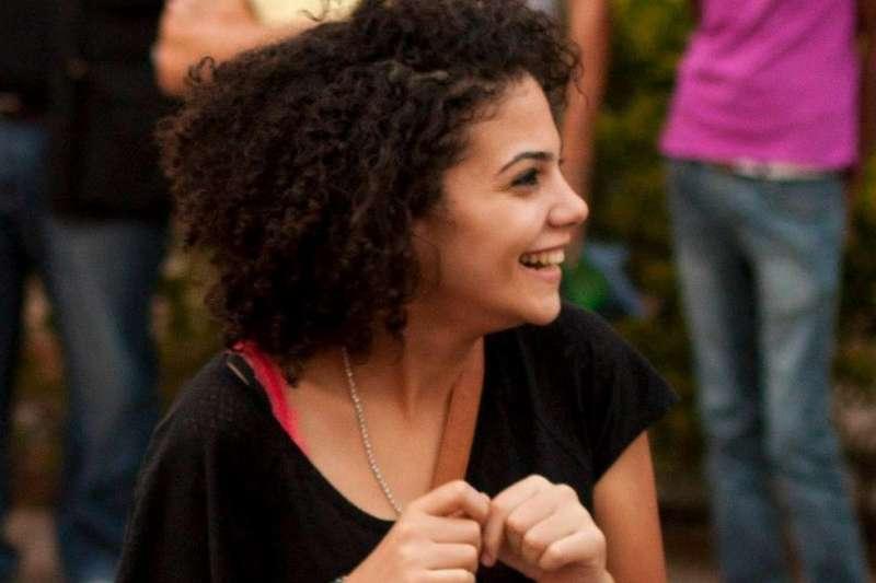 在埃及生活時,伊汶每天都被要求將頭髮燙直。(BBC中文網)