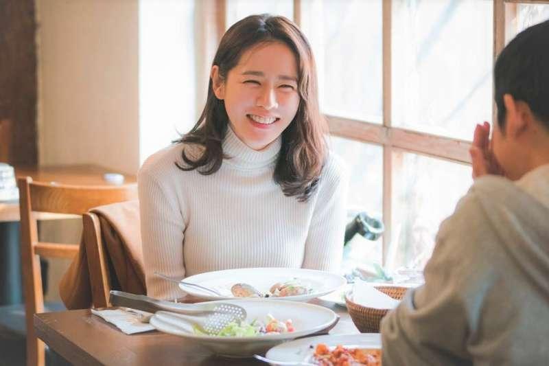 日本話術專家觀察到:第一次見面就和他人相處融洽的人,全都「善於提問」!(圖/JTBC Drama@facebook)