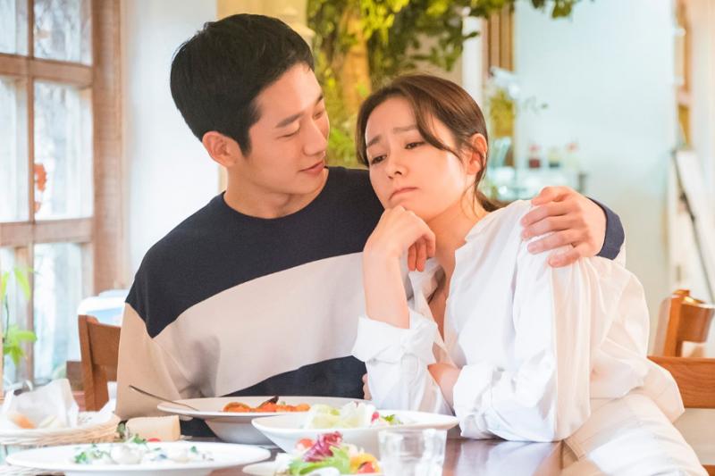 一個女人從愛情中收穫的虛榮心、安全感、保障等,都維繫不了太久。(示意圖非本人/JTBC Drama@facebook)