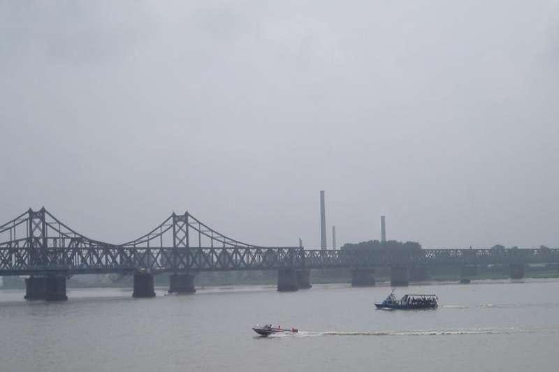 丹東的標誌性建築-鴨綠江大橋。(維基百科/公用領域)