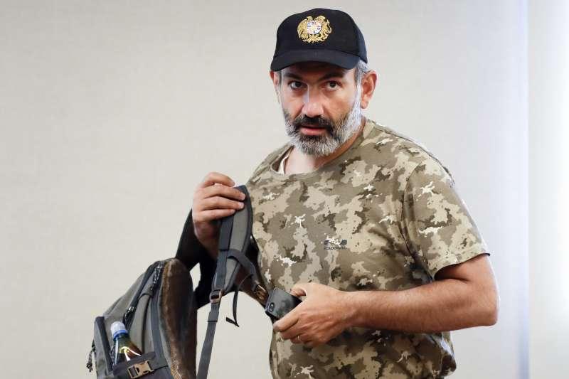 亞美尼亞反對黨領導人帕希尼揚(Nikol Pashinian)成功領導「公民不服從」運動,成為新任總理。(AP)