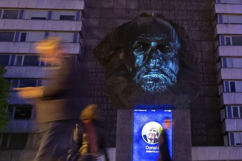 2018年5月5日是馬克思200年誕辰,德國東部城市開姆尼茨(Chemnitz)以紀念雕像緬懷。(AP)