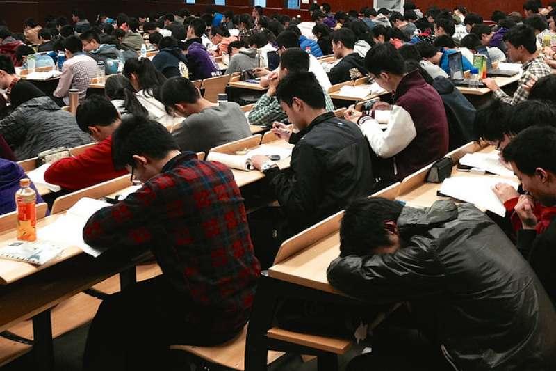 矽谷天使投資人林富元,以他親身接觸各地年輕創業家的經歷,來討論三地華人青年的強項和弱項。(圖/Kevin Dooley@flickr)
