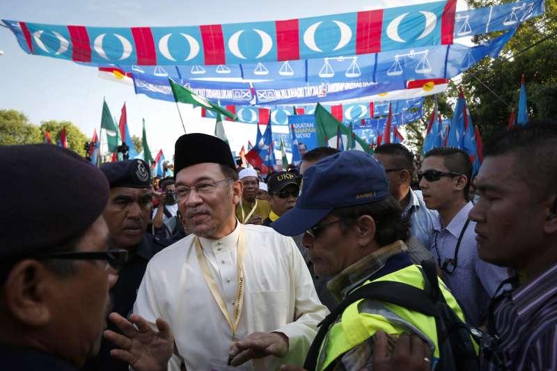2018馬來西亞國會大選9日登場,前副總理安華(圖)與前總理馬哈地結盟(AP)