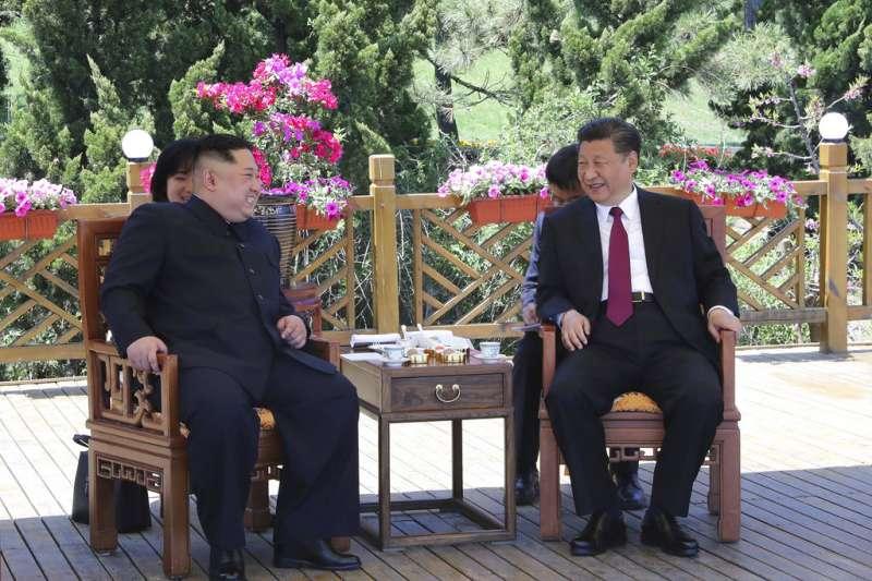 2018年5月7日與8日,北韓最高領導人金正恩再度訪問中國,與中國國家主席習近平在大連會面。(AP)