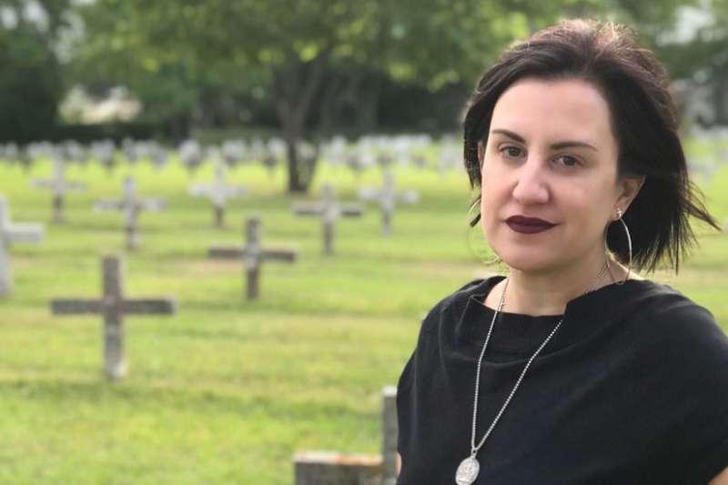 墓園埋葬了當地歷來被處決的囚犯,米歇爾在十字架之間,細數自己見證了多少死囚被處決。(BBC中文網)
