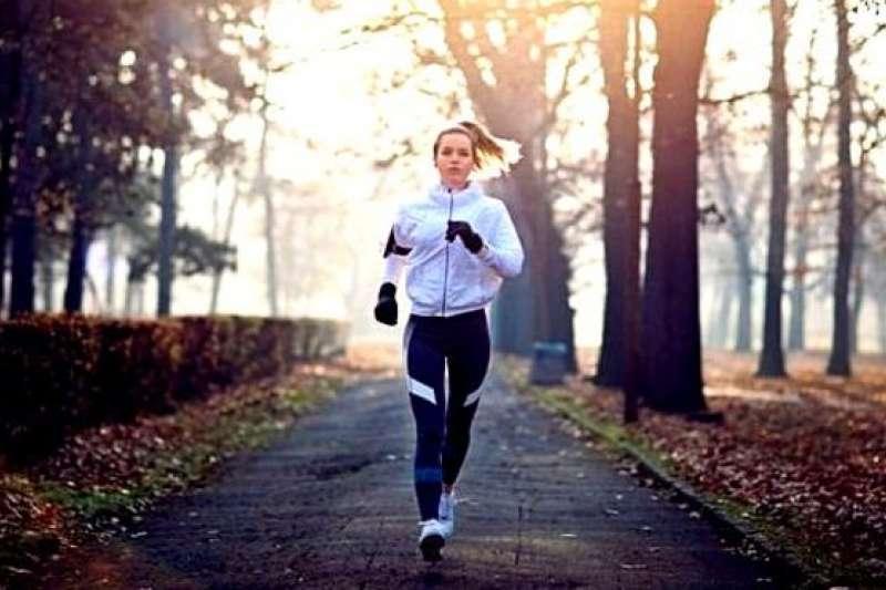 高強度運動可以刺激自噬。(BBC中文網)