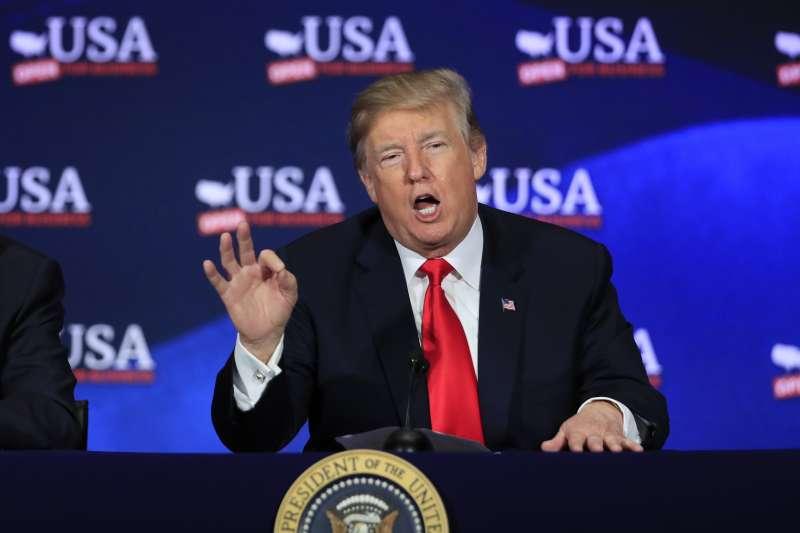 20180509-美國總統川普簽署總統備忘錄宣布退出伊朗核子協議(AP)