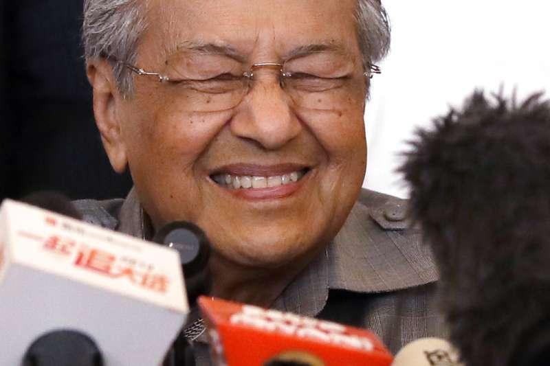馬哈地退休15年後復出,再次成功當選馬來西亞新科總理。(AP)