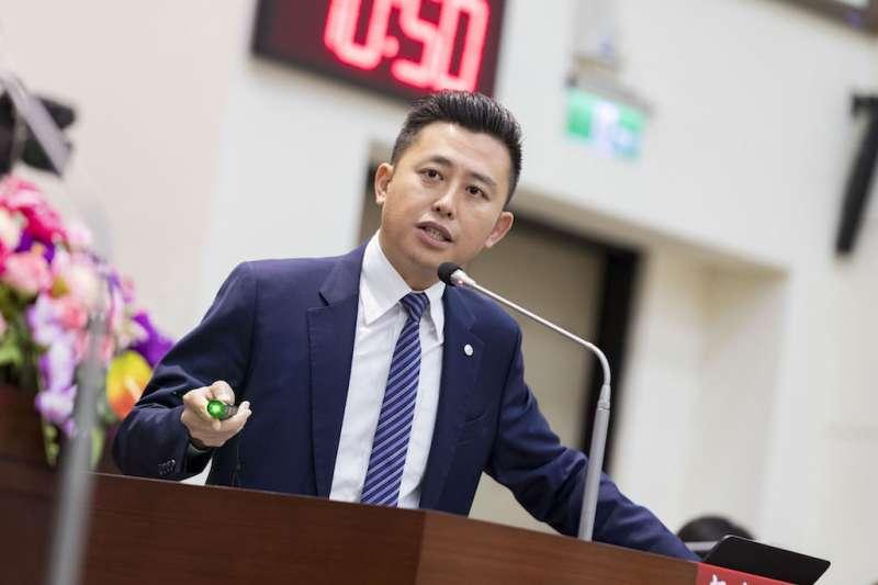 新竹市長林智堅10日在市議會以「蛻變新竹,一定幸福」為題進行施政報告。(圖/新竹市政府提供)